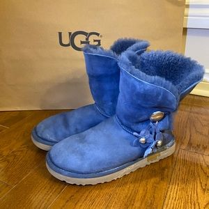 UGG Bailey Bow Boots in Blue Size 10